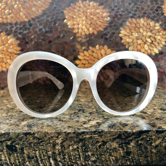 5f32120c0f1 Gucci Accessories - GUCCI mother of Pearl sunglasses